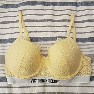 Victoria's Secret 34C lined demi bra
